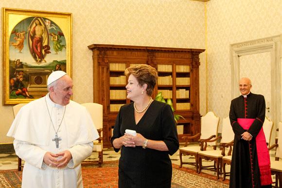 Papa Francisco recebe Presidente Dilma e diz que pretende ir a Aparecida (SP) após a JMJ