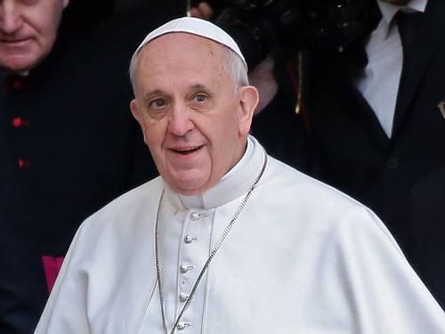 Papa Francisco constitui grupo de cardeais para reformar a Cúria