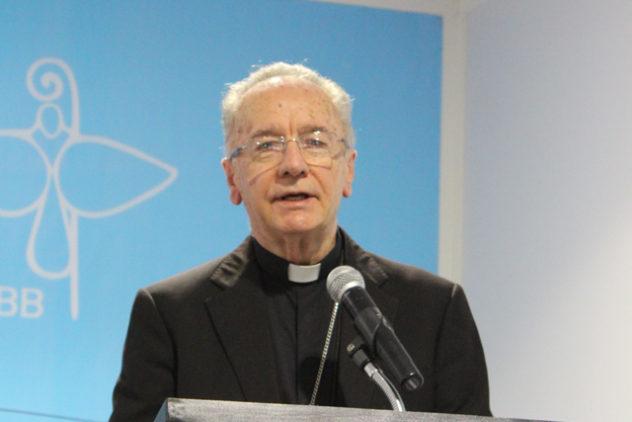 """Dom Cláudio Hummes: """"A Igreja precisa ir ao encontro dos pobres e ser pobre"""""""