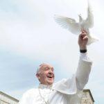 Invocar o Espírito Santo, para que nos guie rumo à Verdade