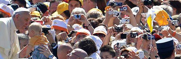 """Papa Francisco: """"Aprender a lei de amor para superar guerras, divisões e egoísmos"""""""
