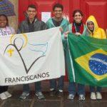 Jovens de nossa paróquia marcam presença na JMJ