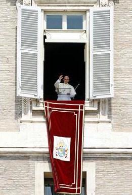 """Papa Francisco: """"Não devemos ser cristãos de etiqueta"""""""