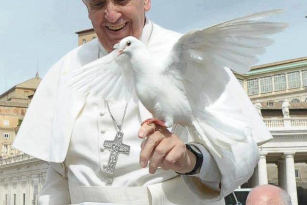 """Papa convoca dia de oração e jejum pela Síria: """"A humanidade grita pela paz"""""""