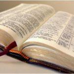 Bíblia: um livro a ser lido e colocado em prática