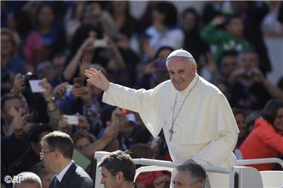 """Papa Francisco: """"Deus não é um juiz, Ele nos espera de braços abertos"""""""