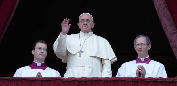 Em Mensagem de Natal, Papa lembra os sofrimentos da guerra e pede paz