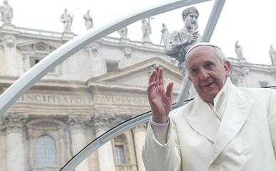 """Papa Francisco ressalta a Crisma, """"dom de Deus que nos ajuda a viver como cristãos"""""""