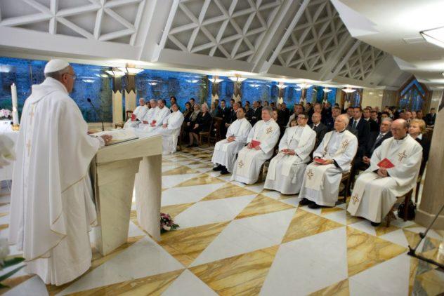 Papa Francisco: uma comunidade cristã deve estar em paz, testemunhar Cristo e assistir os pobres