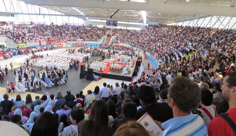Dez mil pessoas acolhem Dom Bosco em Barueri