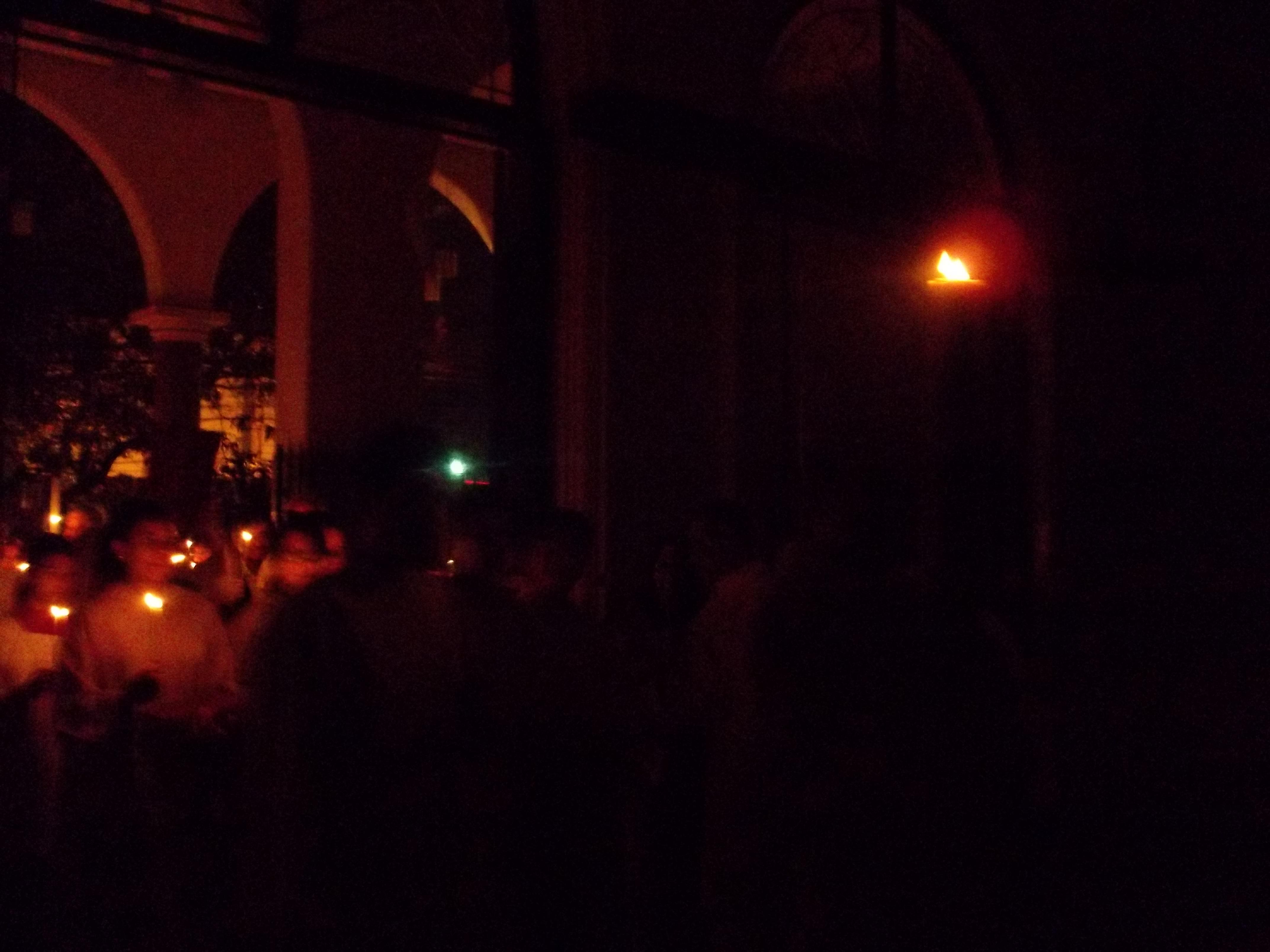 """Vigília Pascal: """"Nesta noite somos convidados a reavivar o amor de Deus e acender de novo a chama no nosso coração"""""""