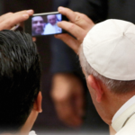Papa escreve para 49º Dia Mundial das Comunicações Sociais
