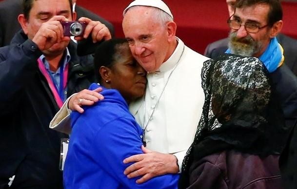 Papa aos sem-teto: perdão por cristãos que lhes desviam o olhar