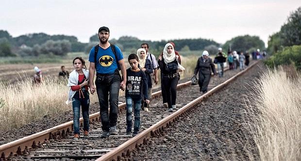 """""""Migrantes e refugiados: Homens e mulheres em busca de Paz"""""""