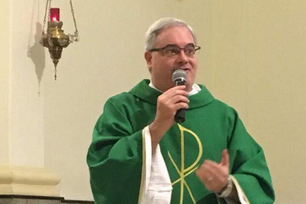 """""""SENHOR, AJUDAI-NOS A VIVER A NOSSA VOCAÇÃO CRISTÃ!"""" (Mt 19,23-30)"""